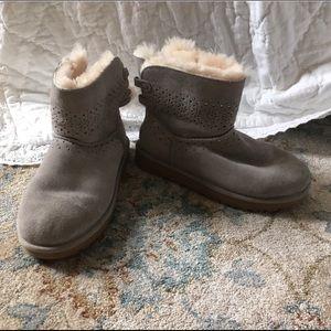 UGG | Gray Snow/Winter Booties